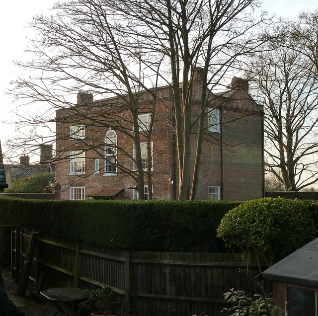 Ivinghoe - Old Brewery House - Former Youth Hostel