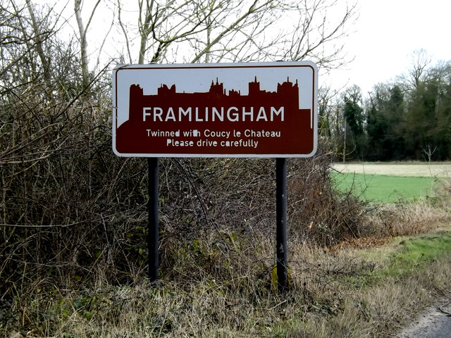Framlingham Town sign on the B1119 Saxtead Road