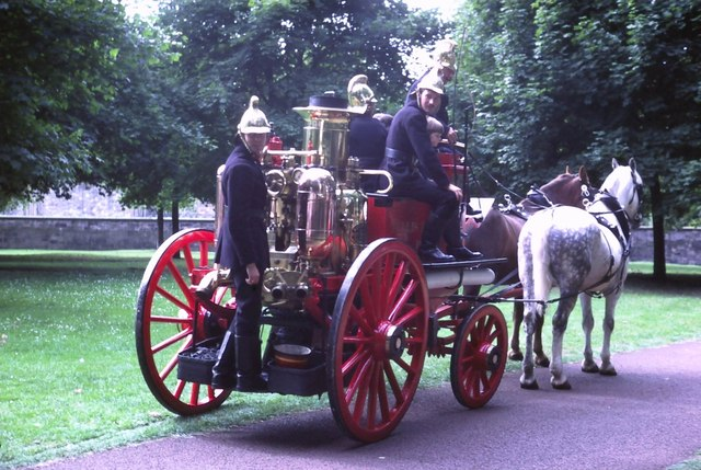 Vintage fire engine, Queen's Park (1982)
