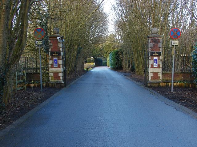Buckinghamshire Golf Club gates