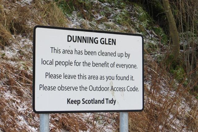 Sign, Glen Devon