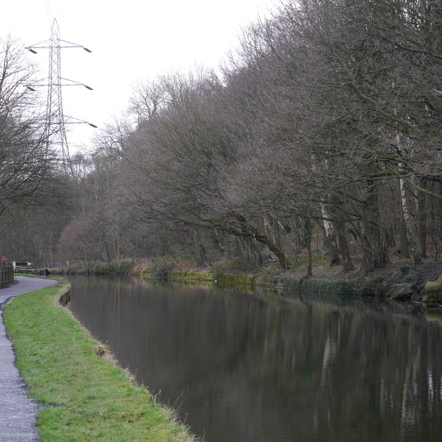 Leeds and Liverpool Canal, approaching Kirkstall Forge Locks