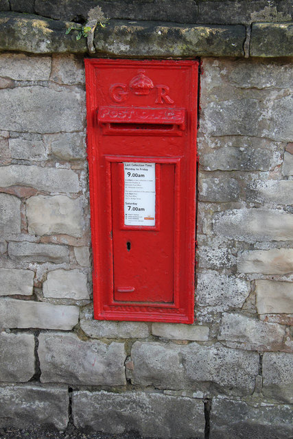 Shireoaks Row postbox ref S81 83