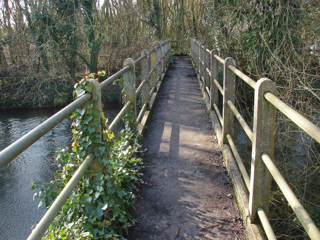 Footbridge over the River Colne