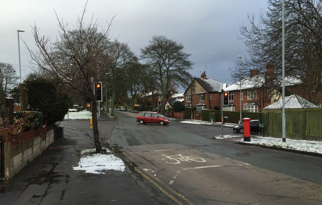 Hartshill: junction of Albany Road and The Avenue
