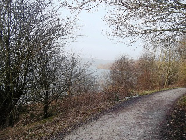 Path and Cycle Route near Upperfield Farm
