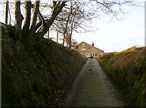 SE0722 : The Binn Royd track approaching Lower Binn Royd Farm by Humphrey Bolton