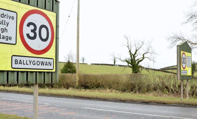 30mph speed limit sign, Ballygowan (February 2015)