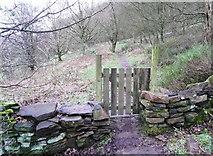 SE0722 : Gate on Elland FP02 by Humphrey Bolton
