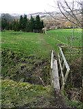 SE0722 : Footbridge over Maple Dean Clough by Humphrey Bolton