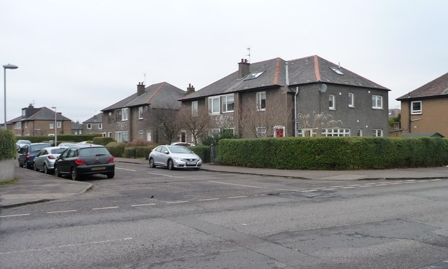 Houses on the north side of Broomfield Crescent