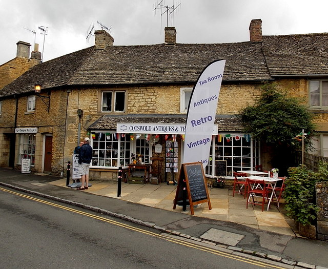 Cotswolds Antiques and Tearooms in Bourton-on-the-Water
