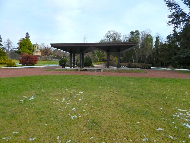 Hermitage Park: the shelter