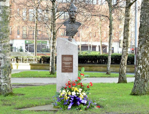 Spanish Civil War memorial, Belfast (February 2015)