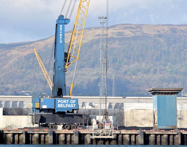 Mobile crane, Belfast harbour (February 2015)
