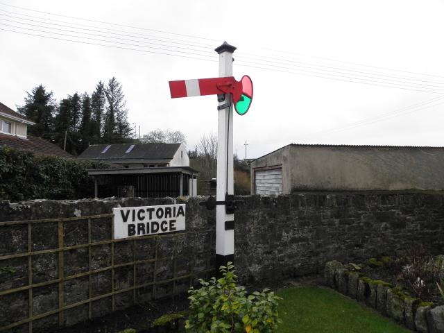Railway signal, Victoria Bridge
