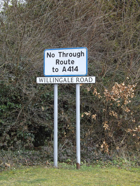 Roadsign on the former A414 Chelmsford Road