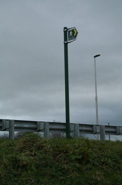 Public Footpath to Marchwiel