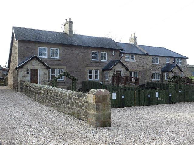 Holiday cottages, Lucker