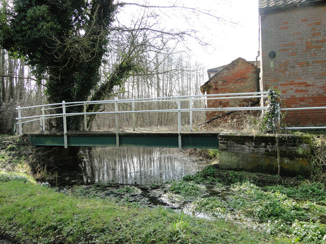 Footbridge across the edge of the millpond