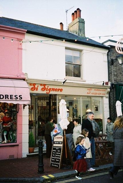 Brighton: Si Signore, Sydney Street