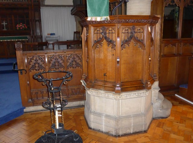 St Oswald, Burneside: pulpit