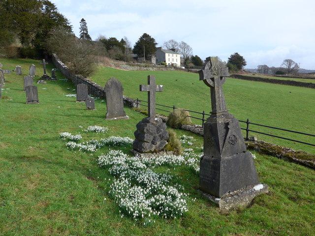 St Mary, Crosthwaite: churchyard (3)