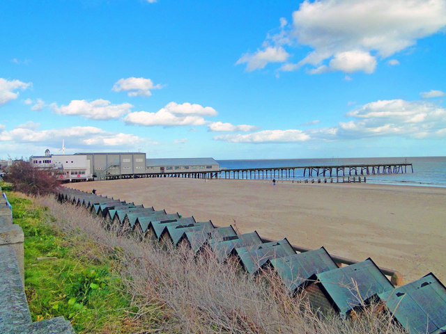 Lowestoft's Claremont Pier, Kirkley