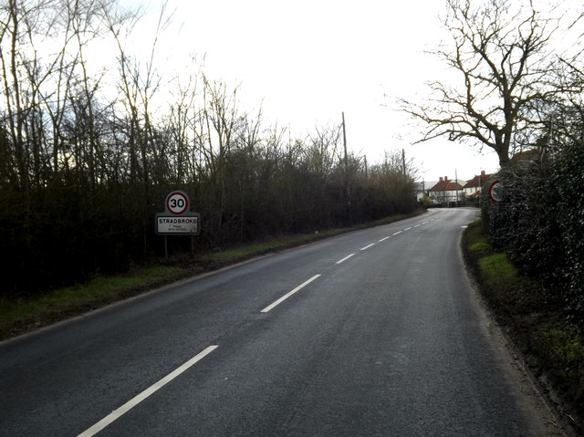 Entering Stradbroke on the B1118 Queens Street
