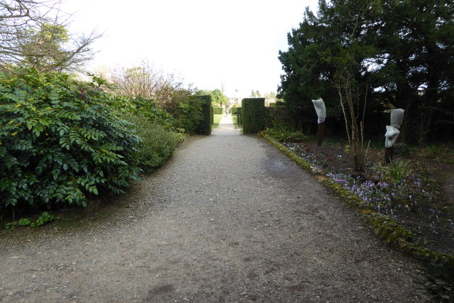 Path towards the house at Polesden Lacey