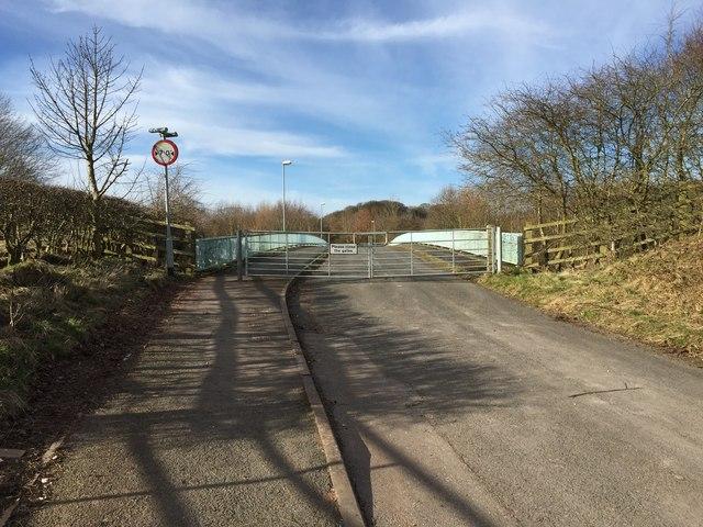 Keele: Quarry Bank Road