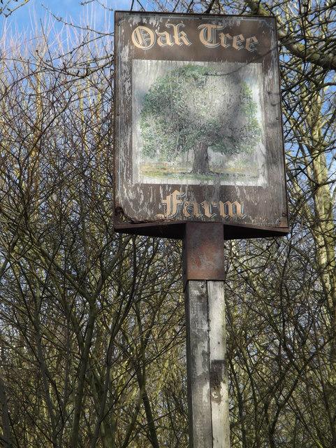 Oak Tree Farm sign