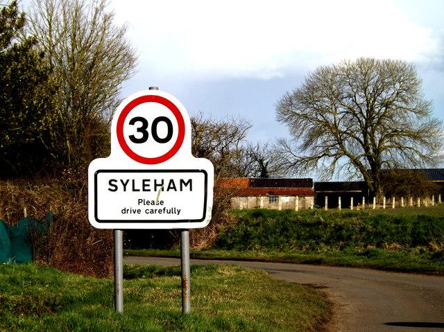 Syleham Village Name sign on Hoxne Road