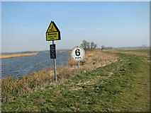 TG3504 : Speed restriction sign beside the River Yare by Evelyn Simak