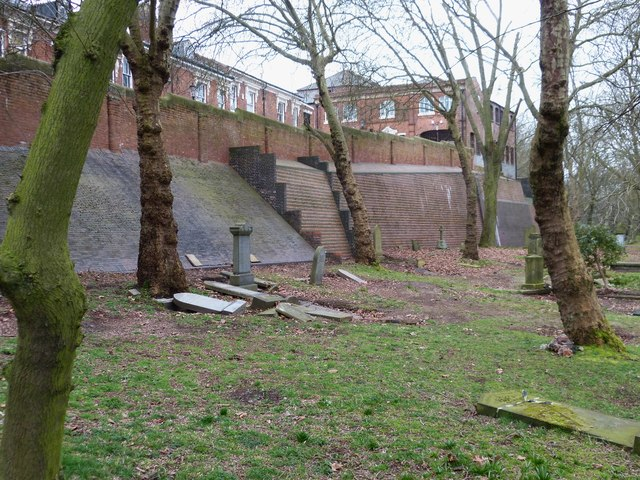 Enormous retaining wall, Key Hill Cemetery