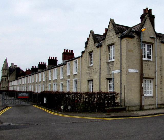 Former GWR houses, Faringdon Road, Swindon