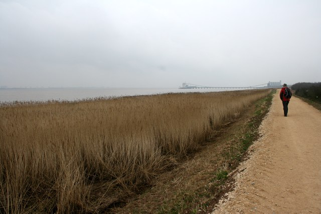 Walking along the south bank of the Humber