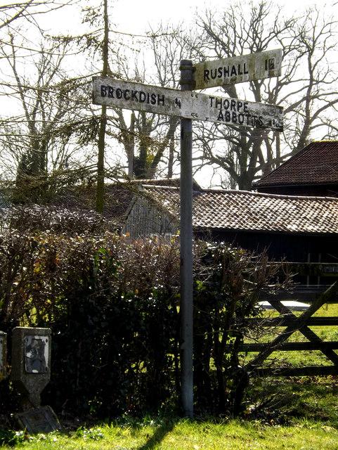 Roadsign on Grove Road