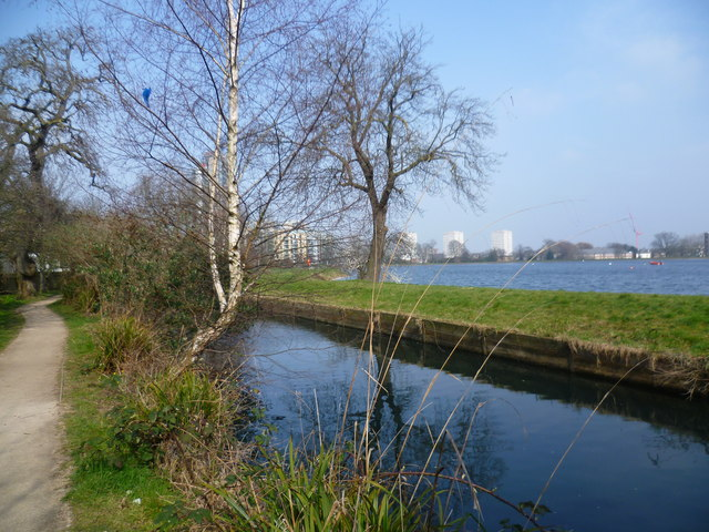 The New River and Stoke Newington West Reservoir