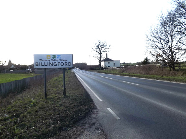 Entering Billingford on the A143 Bungay Road