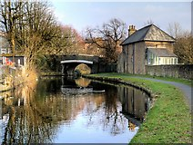 SD8537 : Leeds and Liverpool Canal, Lomeshaye Bridge by David Dixon