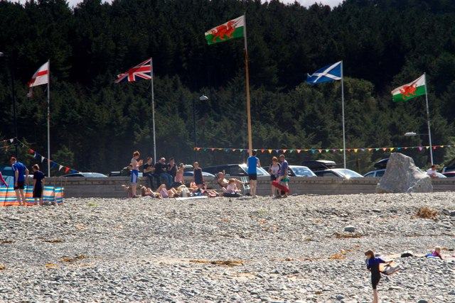 All the GB flags, Borth
