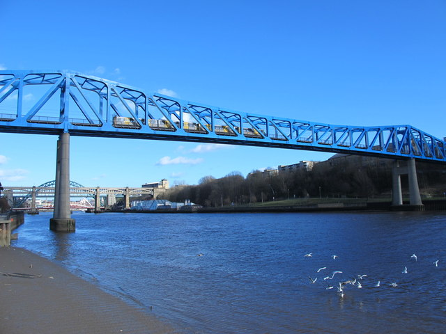 The Queen Elizabeth II Metro Bridge (4)