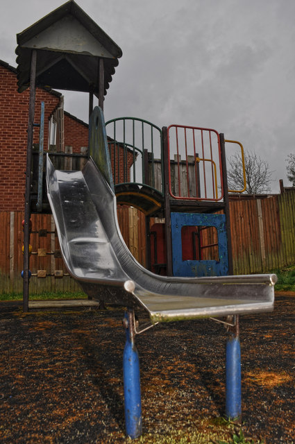 Tiverton : Halsbury Road Play Park