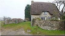 SP3114 : Thatched cottage, Leafield by Jonathan Billinger