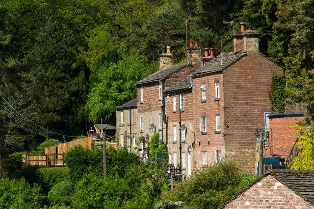 Hillside houses, Danebridge