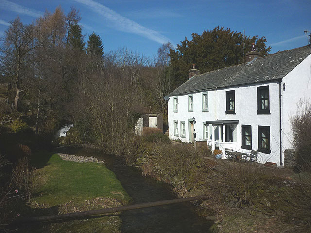 Cottages by Howes Beck, Bampton