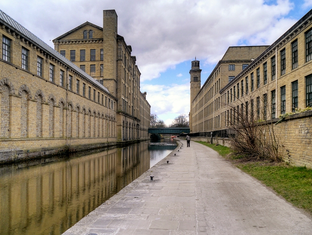 Leeds and Liverpool Canal, Saltaire Mills