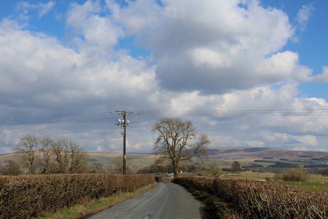 Road between Sellet Hall and Low Biggins