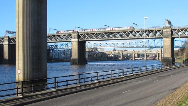 Bridges on the Tyne (No.181)